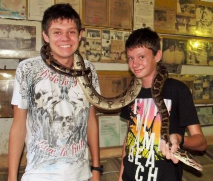 snake farm (800x679)